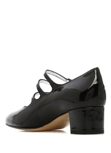 Ayakkabı-Carel